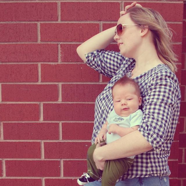 levi and mama 8 weeks